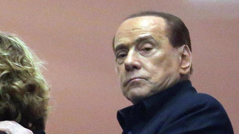 Berlusconi diventa vegetariano: «Rispetto gli animali»
