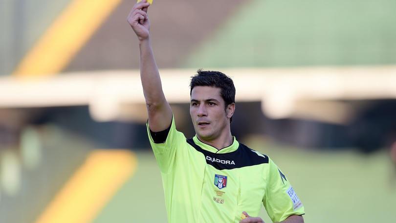 Serie B Crotone, dirige Manganiello. Modena-Cagliari: Abisso