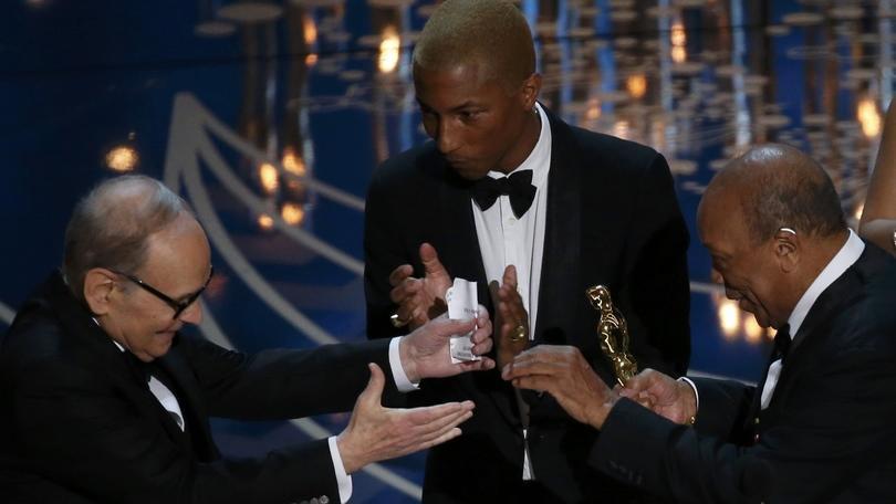 Oscar, il trionfo di Ennio Morricone e Leonardo DiCaprio
