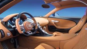Bugatti Chiron: foto