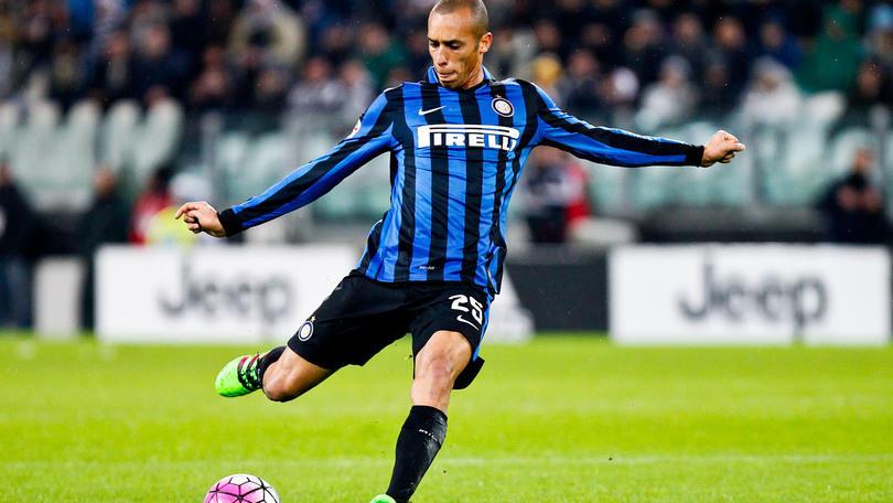 Calciomercato Inter, Miranda incedibile: occhio al Manchester United