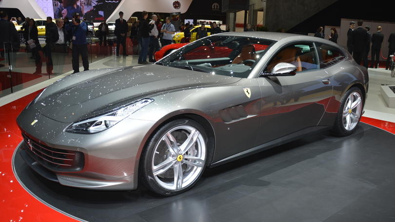 Ferrari GTC4Lusso, la star del Salone di Ginevra