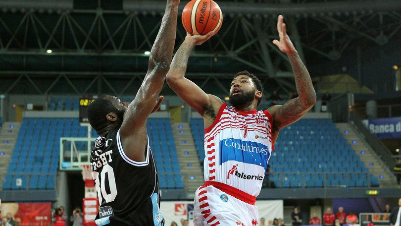 Basket Serie A, Pesaro avvicina la salvezza