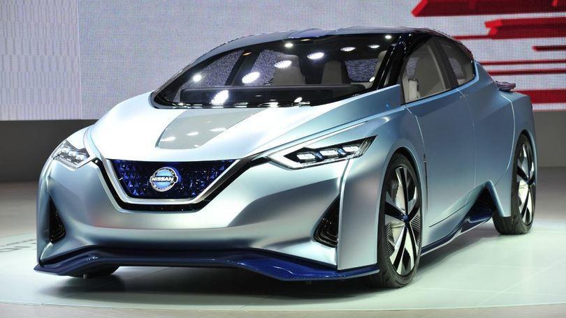 Nissan, guida autonoma e autoricarica entro il 2020