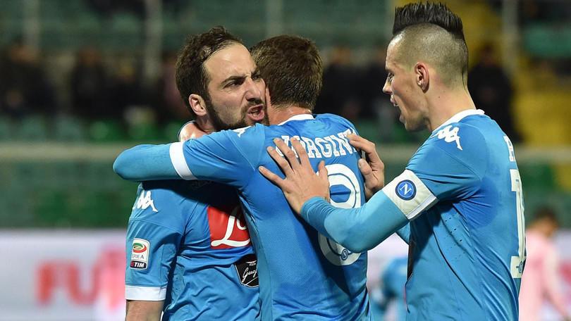 Serie A, Palermo-Napoli 0-1: Higuain da record, la Juve non scappa