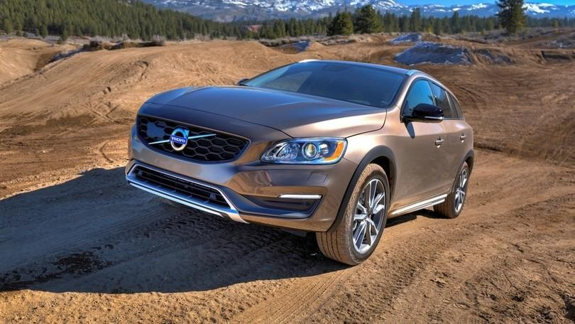 Volvo V60 Cross Country, la prova della station crossover