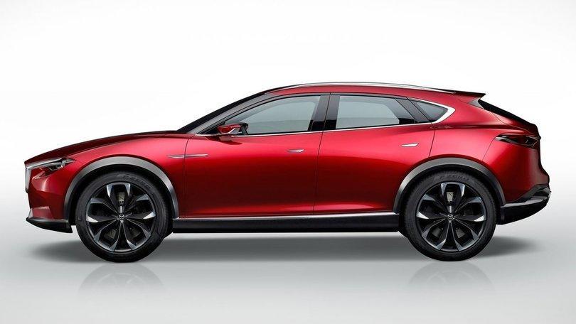 Mazda CX-4, debutta a Pechino il SUV medio
