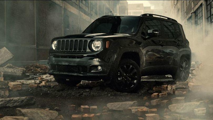 In vendita la Jeep di Batman v Superman