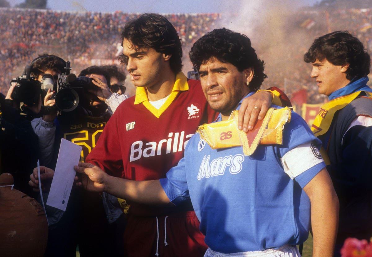 Addio Diego Armando Maradona: le immagini più belle della carriera
