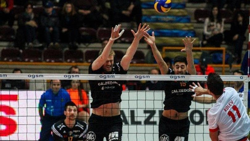 Volley: Challenge Cup, Verona si arrende al tie break