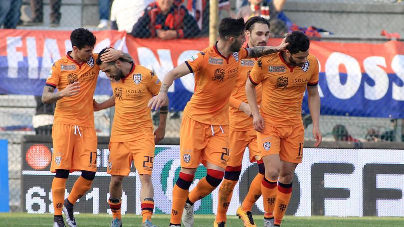 Risultati Serie B Cagliari Show A Vicenza Ora E Primo A 2 Dal Crotone Pari Salernitana E Latina Corriere Dello Sport