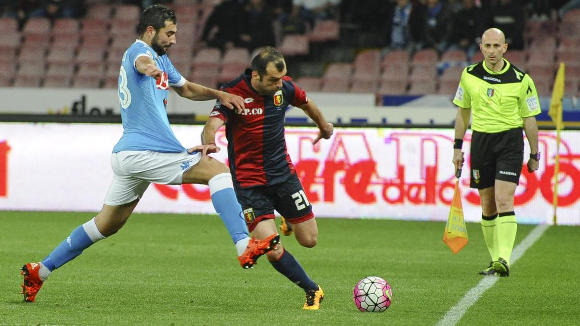 Pandev battles with Raul Albiol; photo: Corriere dello Sport