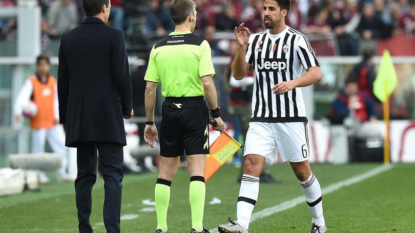 Serie A Juventus, Khedira a Rizzoli: «Ma questo è scemo». Rischia due giornate