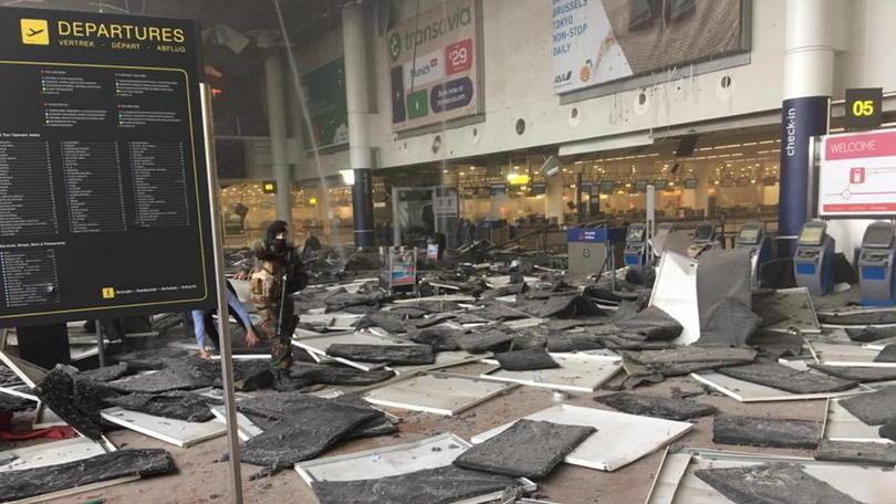 Attentati a Bruxelles, colpiti aeroporto e metropolitana: il bilancio è di 34 morti, rivendicazione Isis