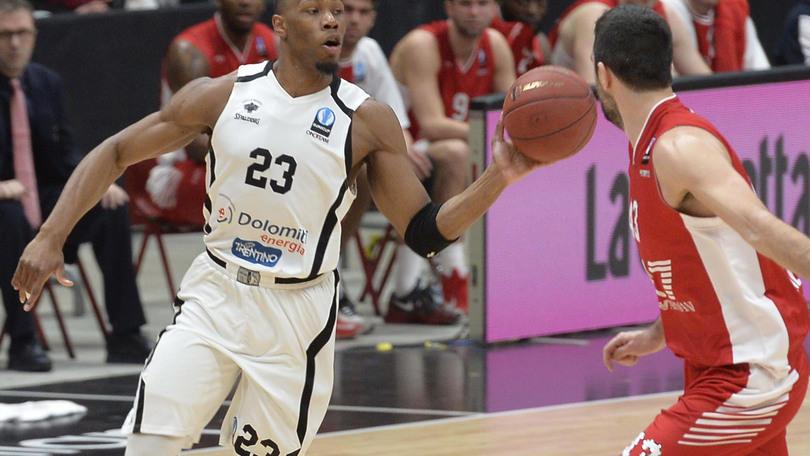 Basket Eurocup, capolavoro Trento, Milano fuori