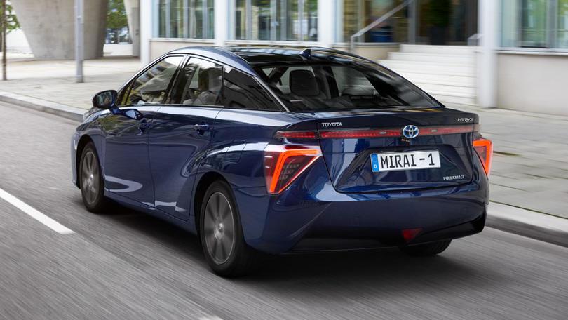 """Toyota Mirai è l'auto """"green"""" dell'anno"""