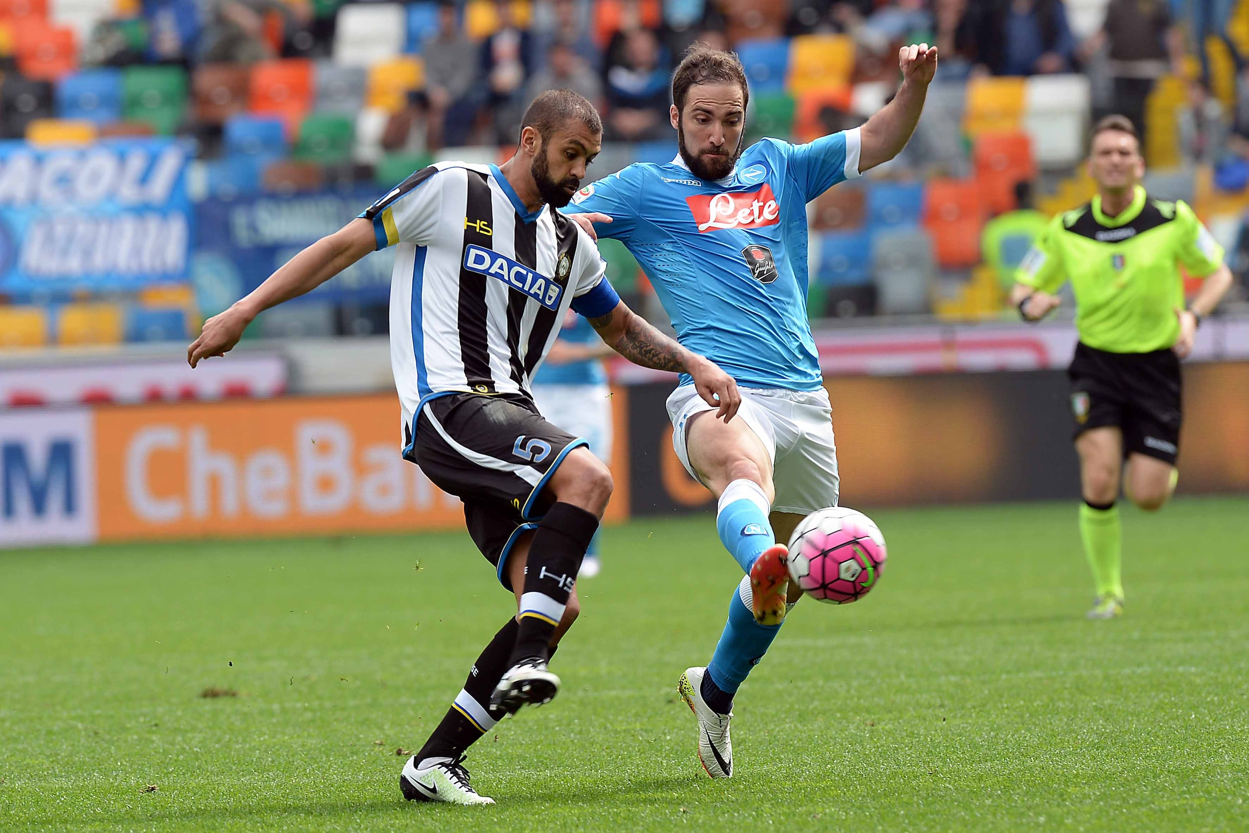 Udinese-Napoli 3-1: Higuain e Sarri espulsi, gli azzurri crollano