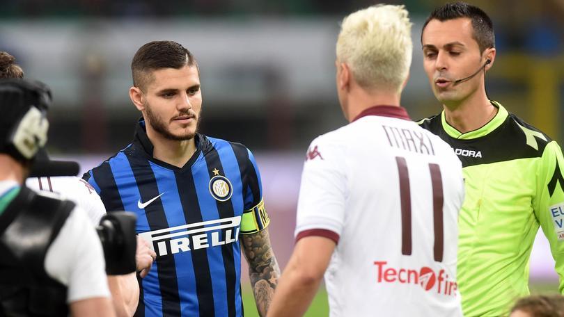 Inter-Torino: Maxi Lopez, niente mano e gestaccio a Icardi.Maurito: «È l'ignoranza...»