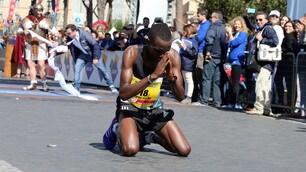 Il keniano Kipruto trionfa nella Maratona di Roma