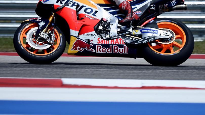 Valentino Rossi strappa la vittoria a Marquez sul circuito spagnolo di Jerez