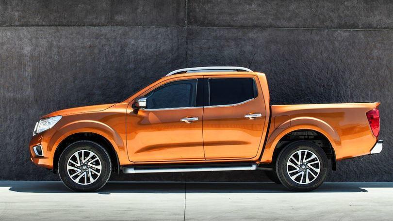 """Nissan Navara, un """"americano"""" a Roma: la prova"""