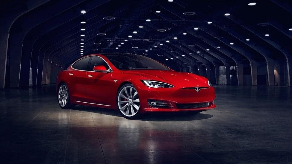 Nuova Tesla Model S, come cambia la berlina elettrica