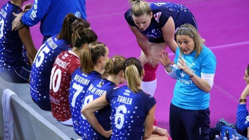 Volley: A1 Femminile, Francesca Vannini lascia la panchina di Firenze