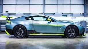 Aston Martin Vantage GT8: foto