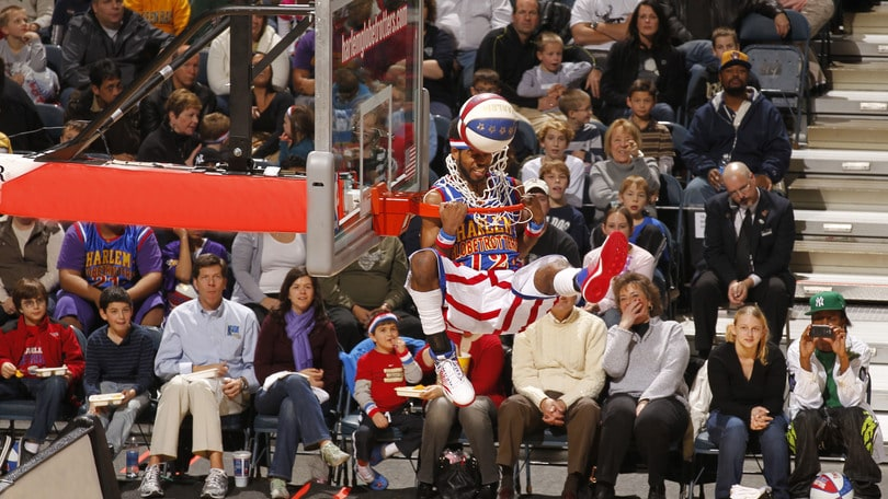 Gli Harlem Globetrotters all'Hard Candy Fitness