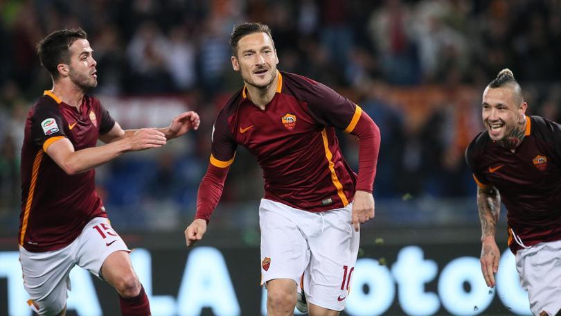Serie A, Roma-Torino 3-2: immenso Totti. Ribalta il risultato in due minuti