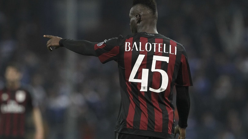 L'omaggio di Balotelli a Totti: «E' fantastico»