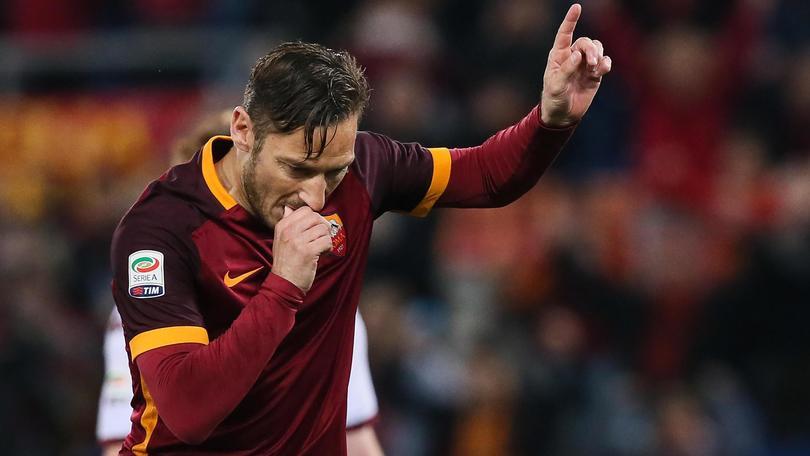 Calciomercato Roma, si apre uno spiraglio per il rinnovo di Totti