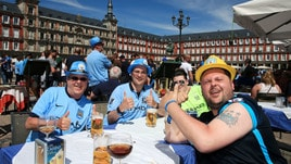 I tifosi del Manchester City a Madrid: che festa in Plaza Mayor!