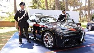 Alfa Giulia Quadrifoglio Carabinieri: foto
