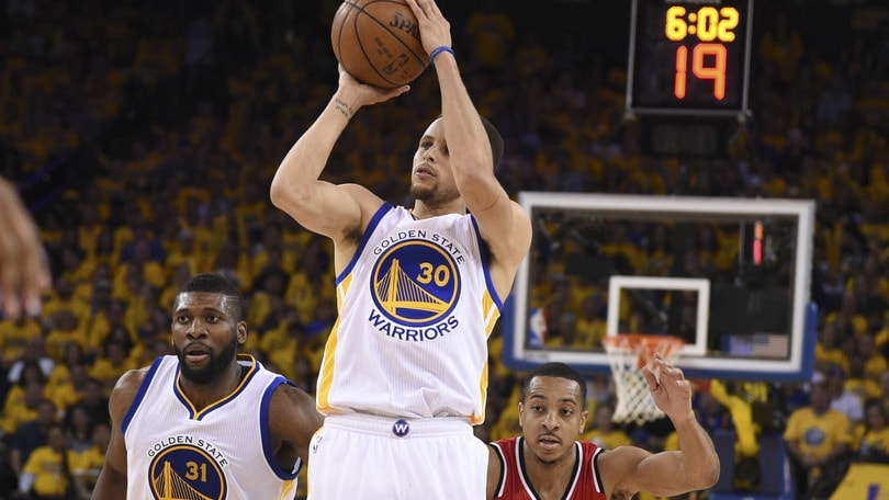Basket, Nba: in quota finale Curry-LeBron
