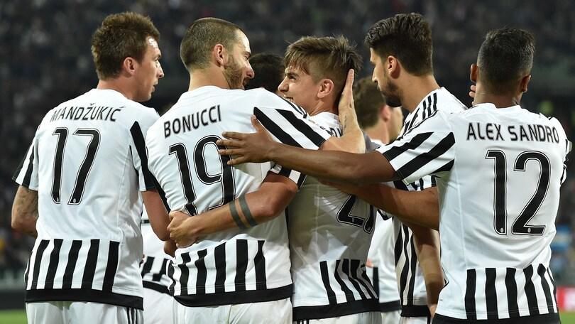 Juventus ecco tutti i dettagli della premiazione scudetto for Tutti gli stemmi della juventus