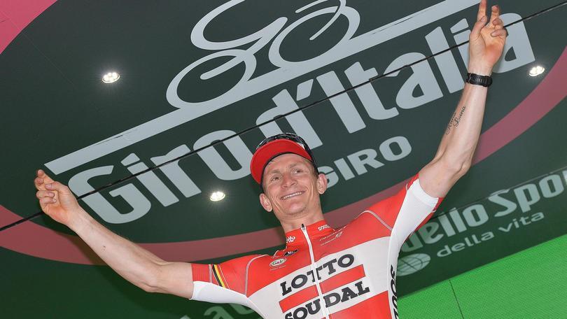 Ciclismo, Giro d'Italia: sprint vincente di Greipel