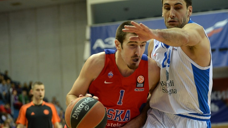 Basket Eurolega, De Colo decide il derby, CSKA in finale