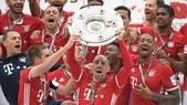 Bundesliga: il Bayern Monaco festeggia il Meisterschale, Stoccarda retrocesso