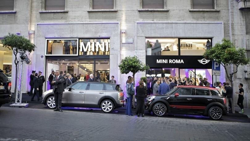 Mini inaugura nuovo showroom a Roma in via Barberini