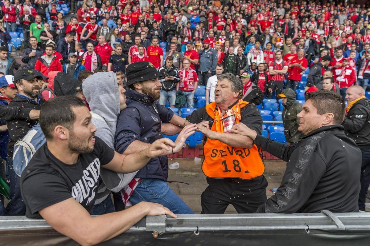 Europa League, che rissa sugli spalti prima di Liverpool-Siviglia