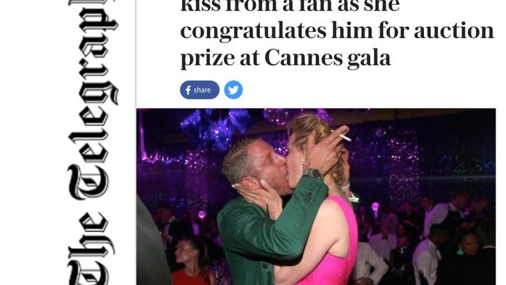 Lapo Elkann: bacio bollente con Uma Thurman, poi dona la sua Ferrari