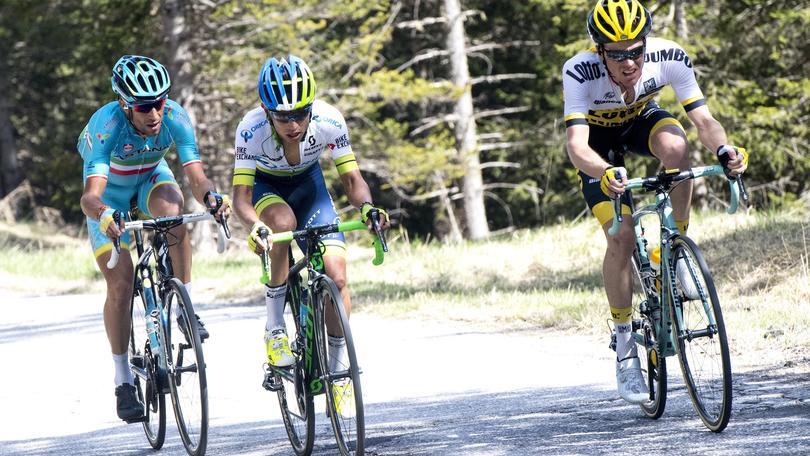 Giro d'Italia, Filiforov vince la crono. Nibali perde terreno