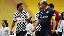 Il GP di Monaco inizia giocando a calcio sotto gli occhi di Ranieri