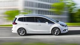 Opel Zafira restyling: foto