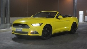Ford Mustang 2.3 Convertibile: foto