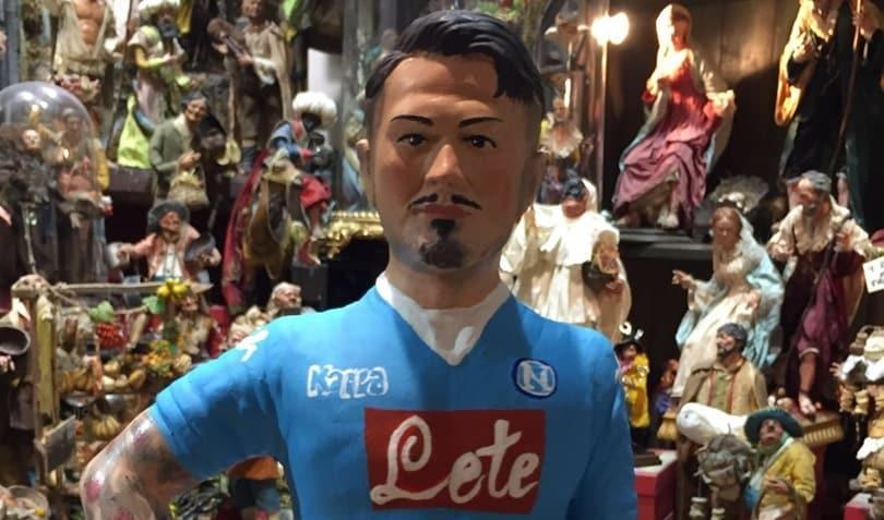 Napoli, Lapadula è già nel presepe