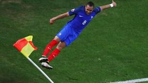 Payet, che salto! Dopo il gol si sfoga con la bandierina