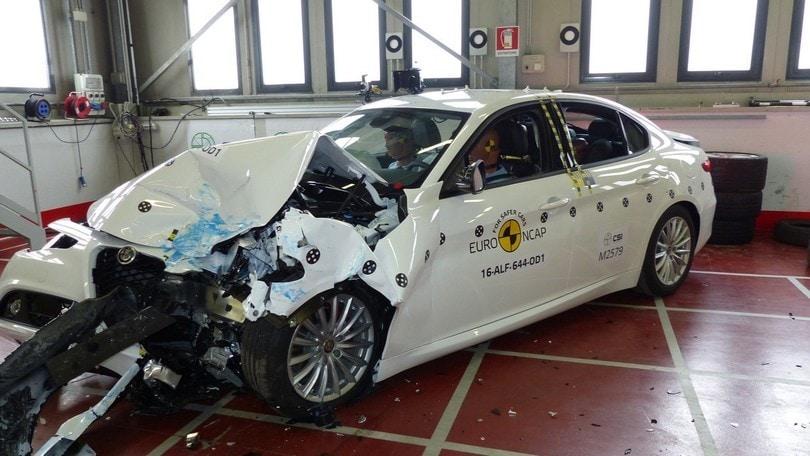 Alfa Romeo Giulia, 5 stelle nel crash test Euro NCAP