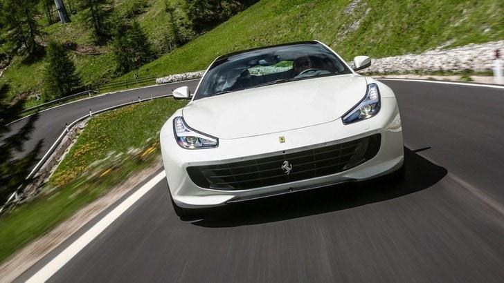 Ferrari GTC4 Lusso, 335 orari a 270 mila euro
